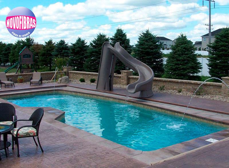 Qué-tipo-de-piscina-de-fibra-de-vidrio-es-mejor-para-su-familia